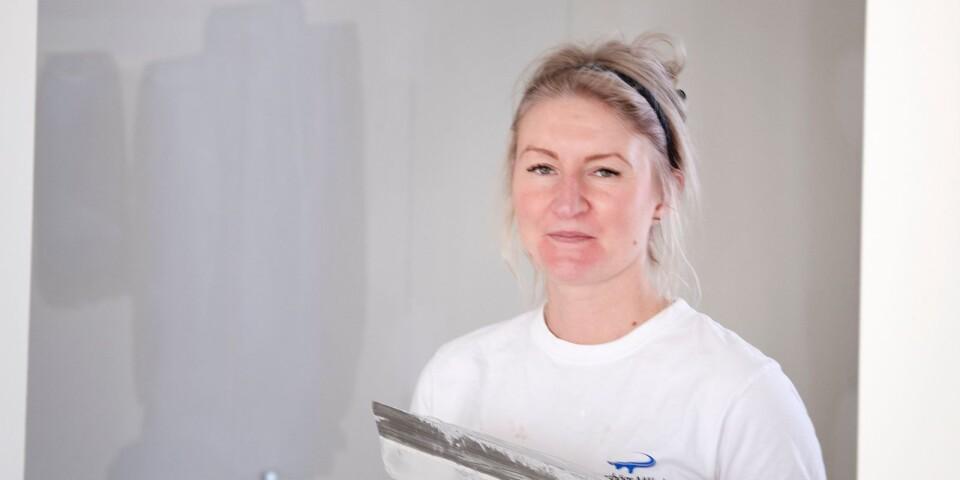 I två år har Aino Karlsson arbetat som lärling på Jämshögsmåleri.