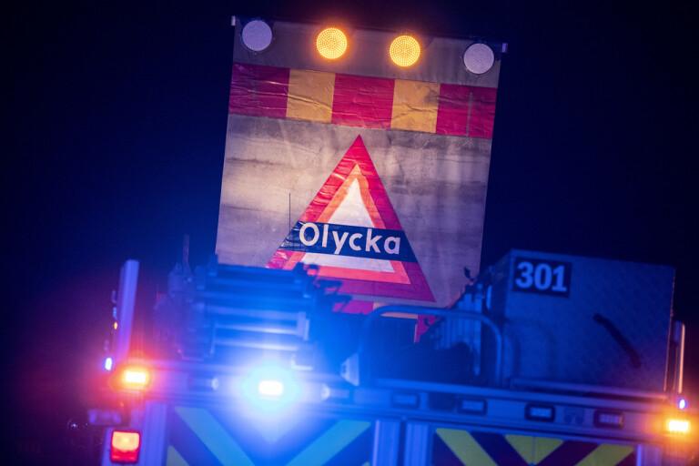 Olycka: Bil voltade och landade i diket  – kvinna till sjukhus