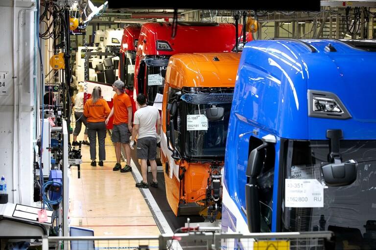 110 anställda på Scania erbjuds 200 000 kronor för att sluta