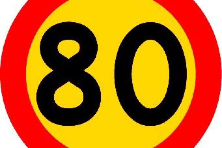 Åtalad: Kvinna höll 119 på 80-väg – nekar till fortkörning