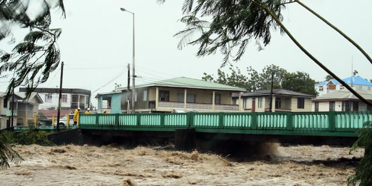 Översvämningar i Dominicas huvudstad Roseau 2007.