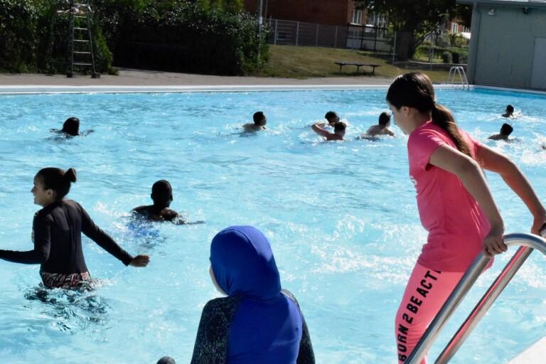 مسبح Gamlegården مفتوح: أخيرًا سيتعلم الطلاب السباحة