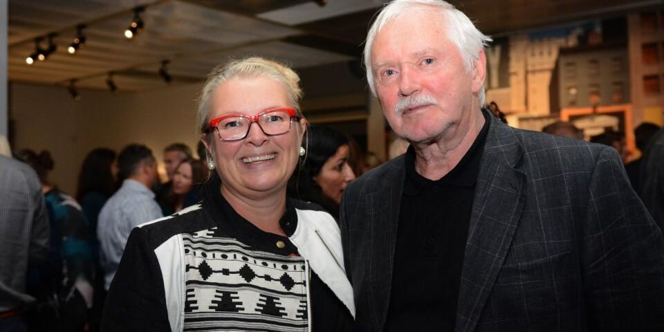 Linda Nilsson, tidigare museichef på Abecita konstmuseum och Jan Öjmertz, före detta chefredaktör på Borås tidning och ordförande i Tore G Wärenstams stiftelse.