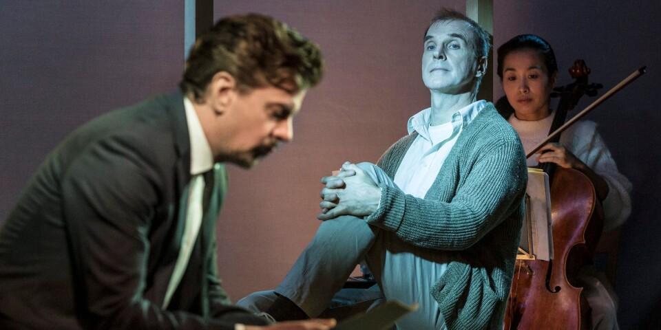 Mattias Ermedahl som Thomas och Lars Hjertner som Alvin.