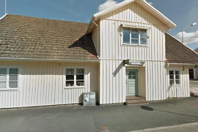 Ny ägare till äldre villa i Osby – 975000 kronor blev priset