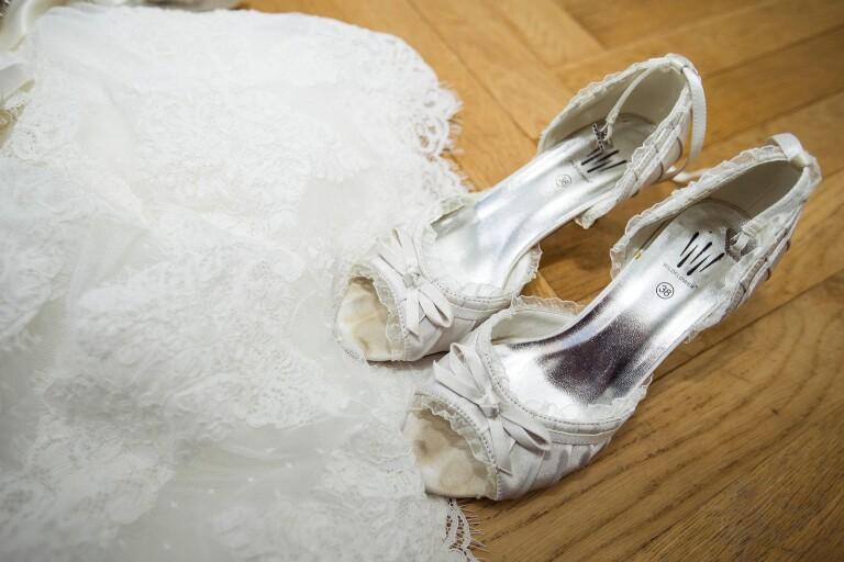 """Bröllopsplaner på is i pandemins fotspår: """"Så himla tråkigt"""""""