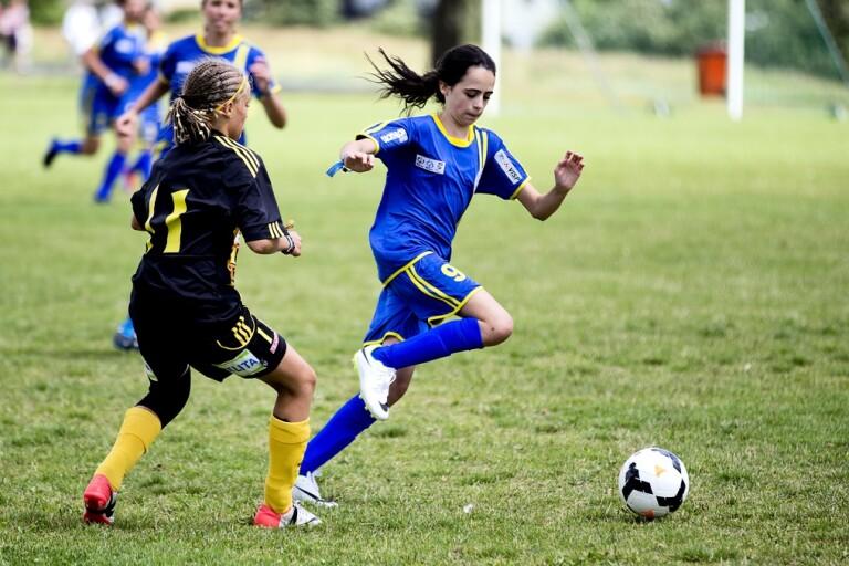 Fotbollen går emot RF – klartecken för matcher