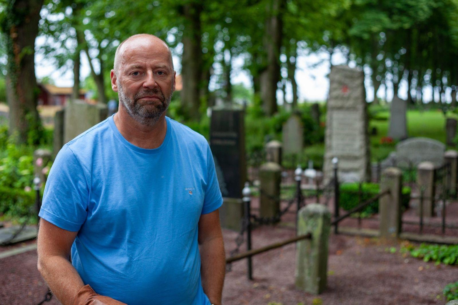 För Peter Nordquist var det första gången med kyrkogårdsteatern. – Det är ett oskrivet blad. I år är det en hyllningskonsert till Ola Magnell också, det ska bli kul att se.