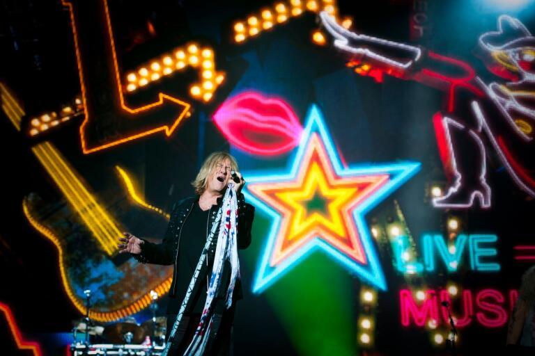 Sweden Rock är första anhalt på Def Leppards Europaturné.
