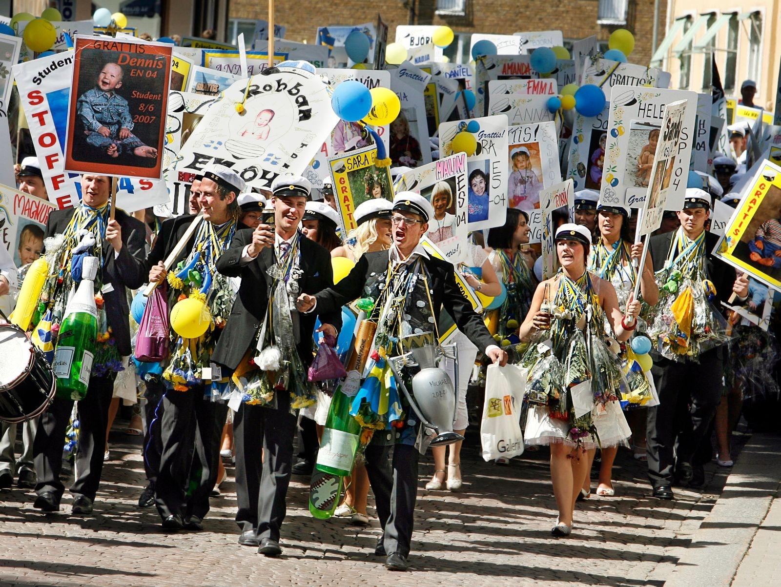 Studenterna marscherar i Oskarshamn 2007.