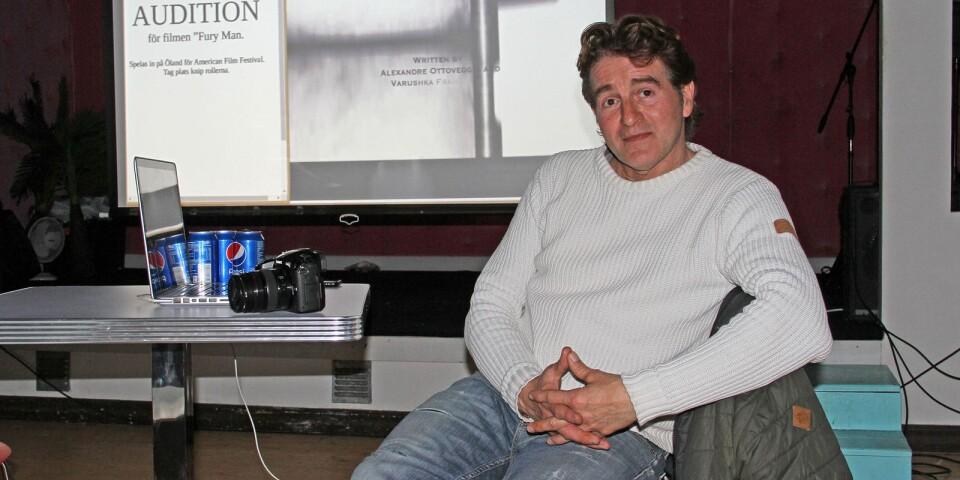 Under några timmar på lördagen satt Alexandre Ottoveggio framför Rällapaviljongens scen och träffade människor som var intresserade av att spela i hans film Fury man.