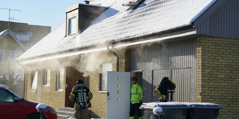 """Brand startade i grill – spridit sig till villa: """"Kraftig brand"""""""