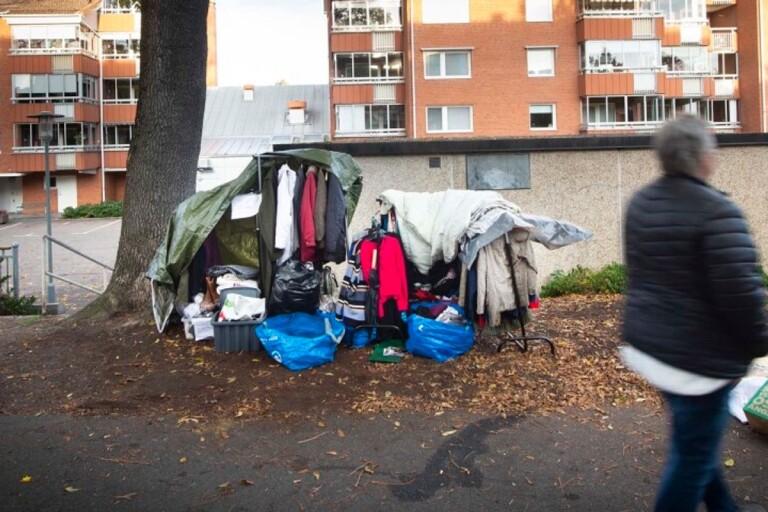 Nidar و Frida يساعدان المشردين في Kristianstad
