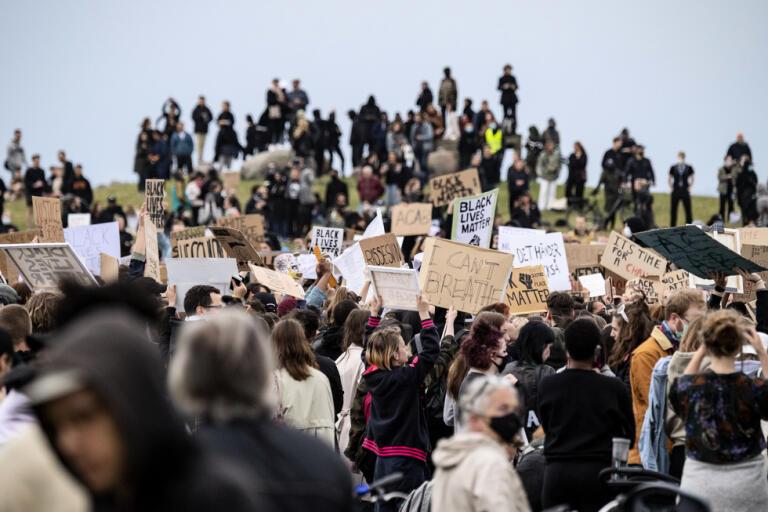 En demonstration för Black Lives Matter samlade hundratals personer i Malmö på torsdagen.