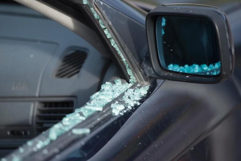Inbrott i verkstad – flera bilar sönderslagna