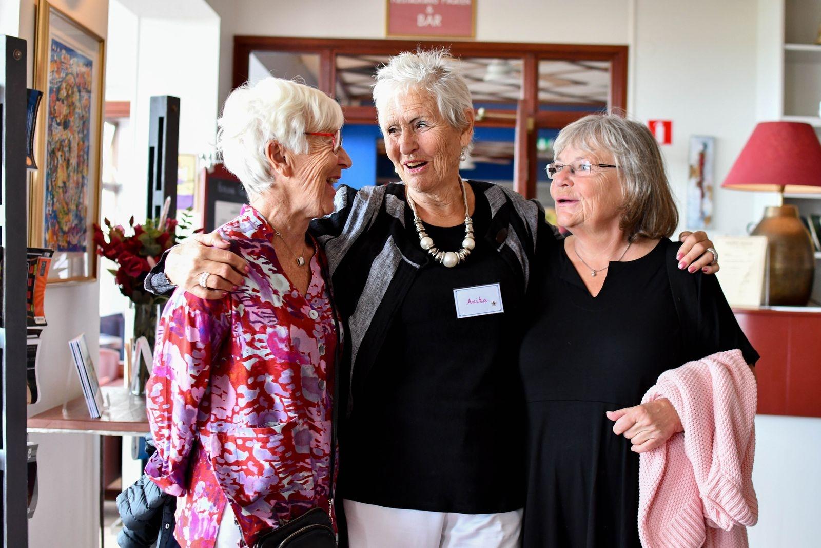 Gunilla Nilsson, Anita Brännvall och Agneta Andersson - tre av närmare åttio damer som samlades på Hotell Svea för att äta lunch tillsammans.