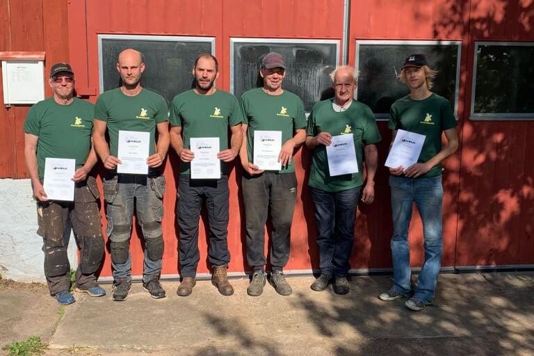 Karl-Erik Willsund, Felix Witte, Andres Colacci, Olof Sigvardsson, Göran Erison, och Joakim Zickert med sina diplom.