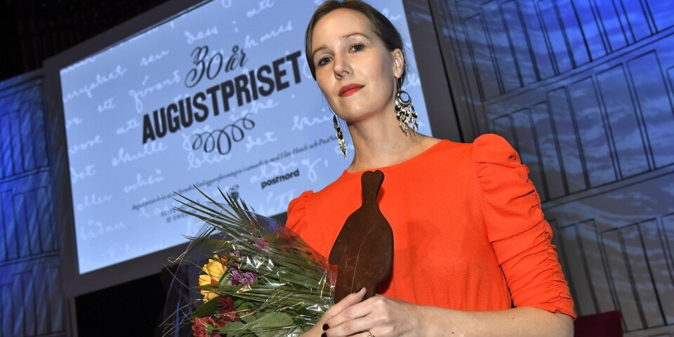 Linnea Axelsson fick priset för årets Svenska skölitterära bok Aednan  vid  Augustpriset 2018 i Konserthuset.