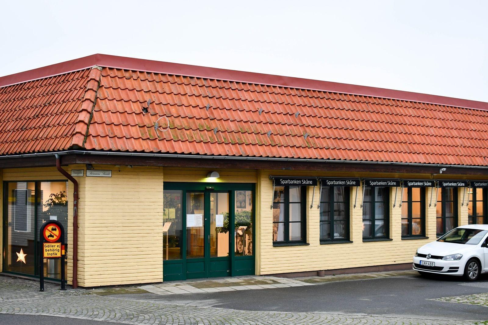 Den 1 december 2008 flyttade Sparbanken Skåne in på Dammgatan. Efter 12 år byter banken nu lokal.