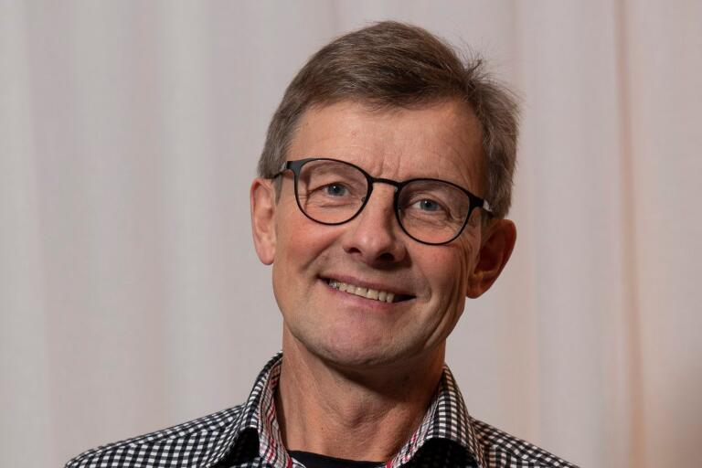 Oppositionsledare och Centerpartiets gruppledare Rolf Jönsson menar att valresultatet bör väcka eftertänksamhet hos främst Socialdemokraterna.