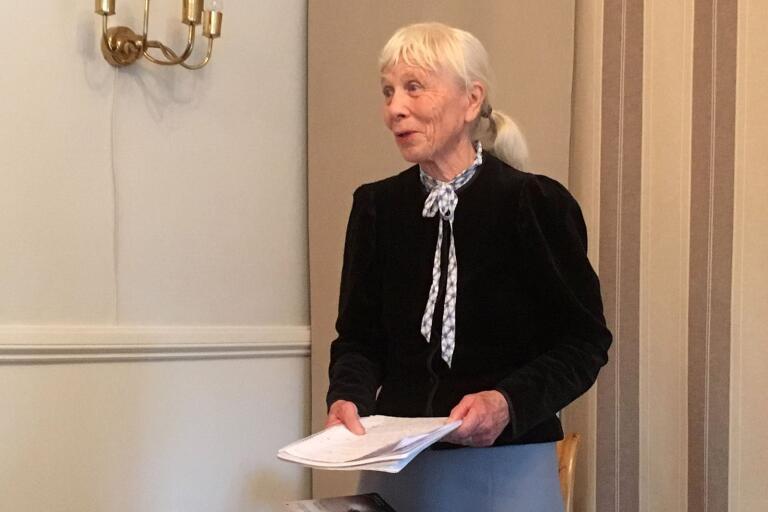 """Cecilia Hedbor talade över ämnet """"Stagnelius' relationer till och påverkan på samtida kulturprofiler""""."""
