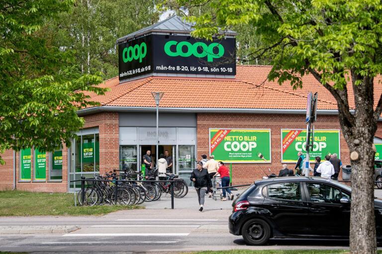 På fredagseftermiddagen slog den nya Coopbutiken på Nydalavägen upp portarna.