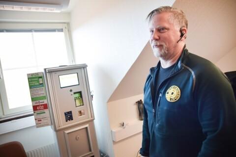Nu byts alla parkeringsautomater – så fungerar de