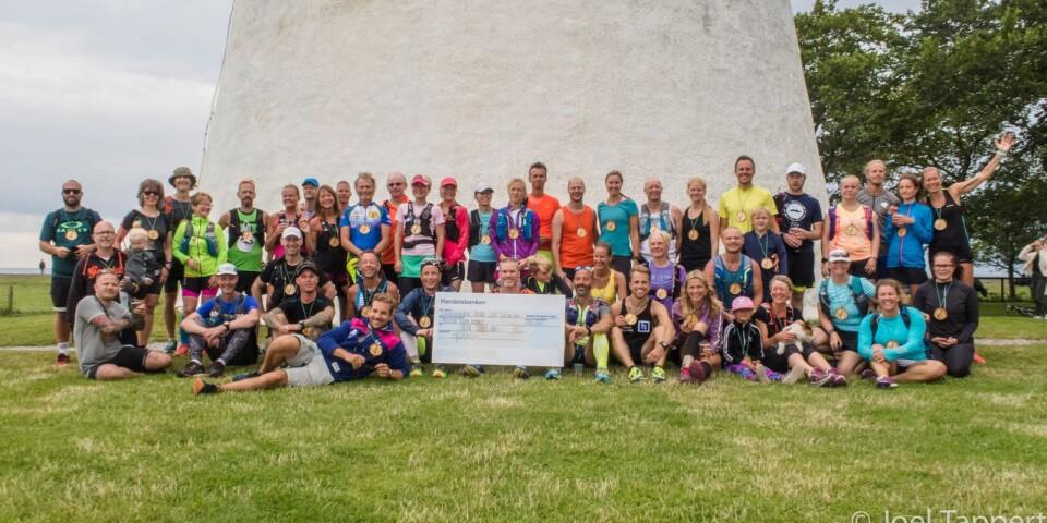 Förra året pikade dem i antal deltagare och var 55 stycken som sprang. Här är hela gänget samlat vid Långe Jan.