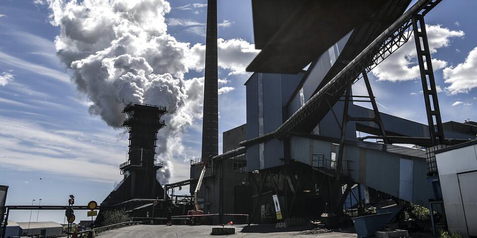 SSAB:s stålverk i Oxelösund är en av anläggningarna som släpper ut mest koldioxid i Sverige.