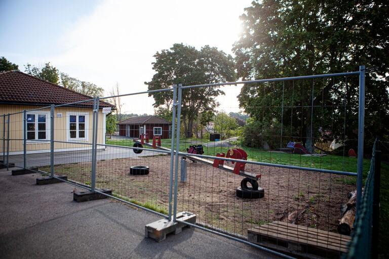 Förskolans gård är avstängd.
