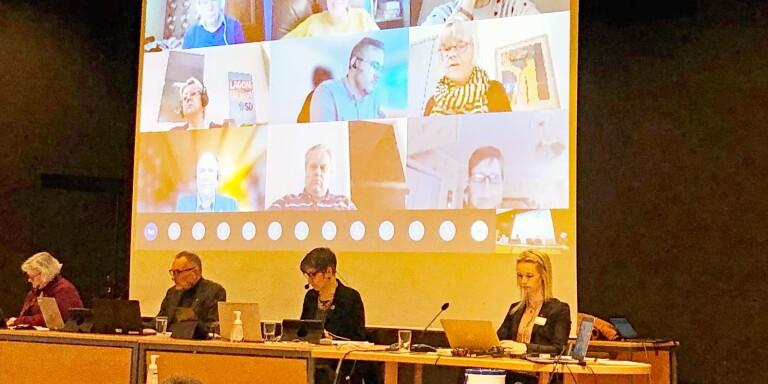 Presidiet ledde den digitala budgetdebatten från Rydal.