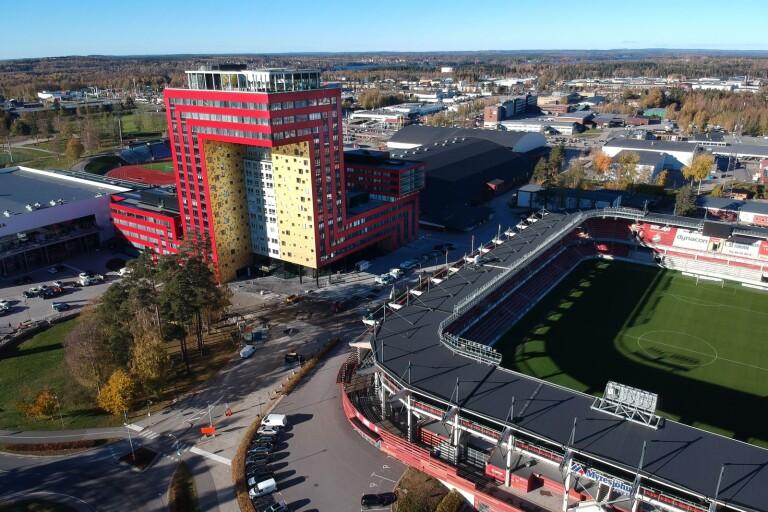 Då öppnar den nya hallen i Växjö