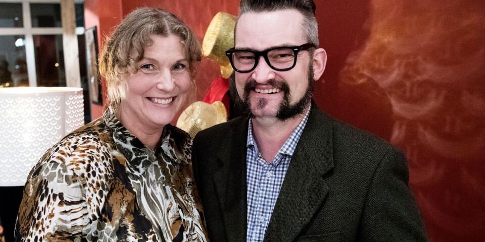 """Kyrkomusikern Marina Thyborn och Donny Magnusson snackar upp sig. """"Jag återvände till Småland efter 25 år i Skåne och startade eget rörkrökeri för några år sedan. Ingen minns en fegis"""", säger Donny Magnusson."""