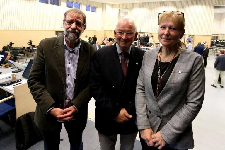 Fullmäktiges presidium Otto Andreasson (S), Peter Hemlin (M) och Monica Svensson (SD) vill inte att några frågor besvaras på mötet.