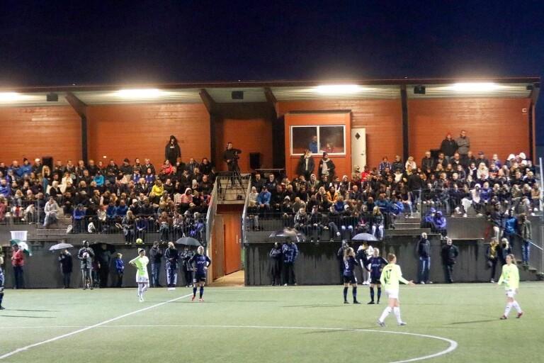 Fotboll: Föräldrar inte välkomna på ungdomsmatcher
