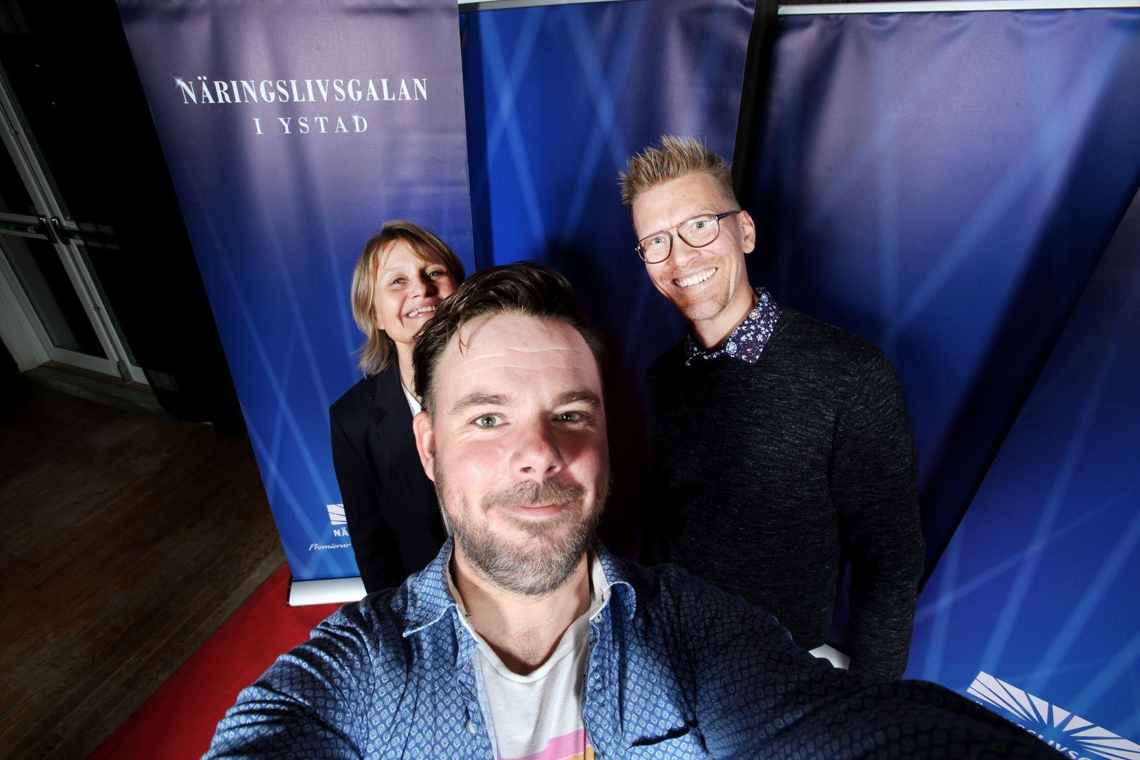 YA:s team på plats. Cecilia Billgren, Mårten Svemark, Carl Johan Engvall