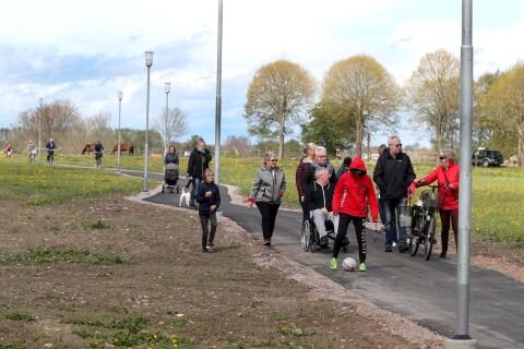 Här invigs Tomelillas nyaste cykelbana