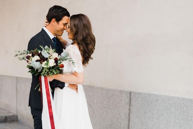 Par bjuds in till bröllopskväll i Kalmar