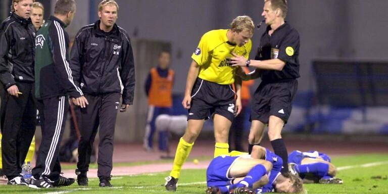 Martin Strömberg får ett spel mot på filmande kroater på Maksimirstadion. Även tränare Magnus Haglund tänder till.