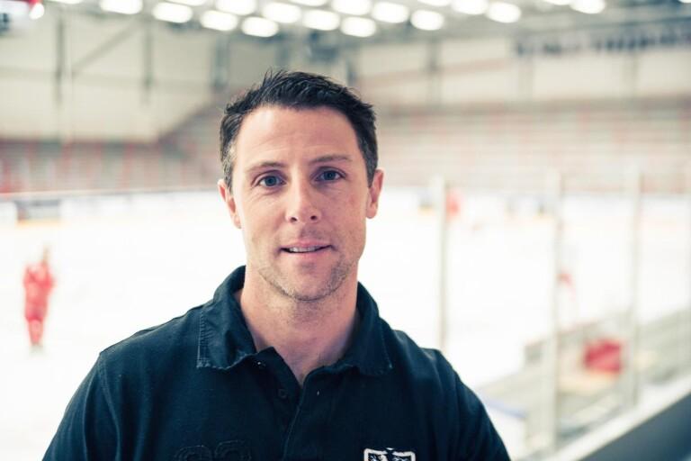 Daniel Håkansson, Trojas klubbchef.