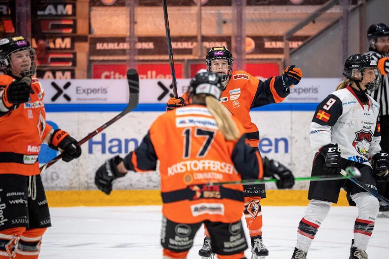 """Karlskrona HK:s riskerar konkurs. """"Förödande"""" om det inträffar enligt Pernilla Andersson i panelen."""