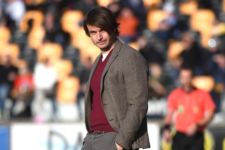 Mjällbytränaren Milos Milojevic har ett och annat att fundera över till nästa match.