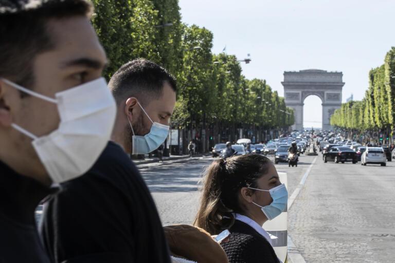 En fransk smittspårningsapp har godkänts i nationalförsamlingen och kan snart tas i bruk för att hindra smittspridning när samhället återöppnas. Bild från den 16 april.