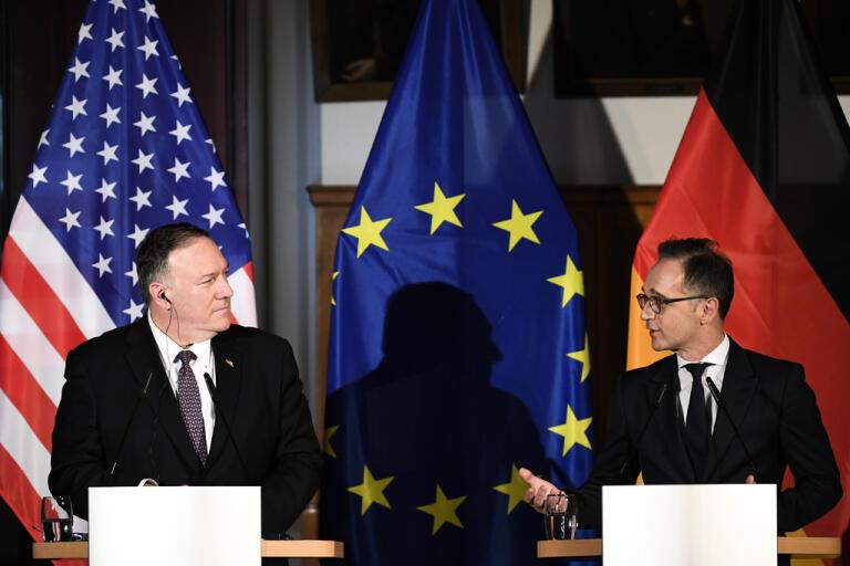 Tysklands utrikesminister Heiko Maas, till höger, med sin amerikanske motpart Mike Pompeo under en presskonferens i Leipzig i november i fjol.