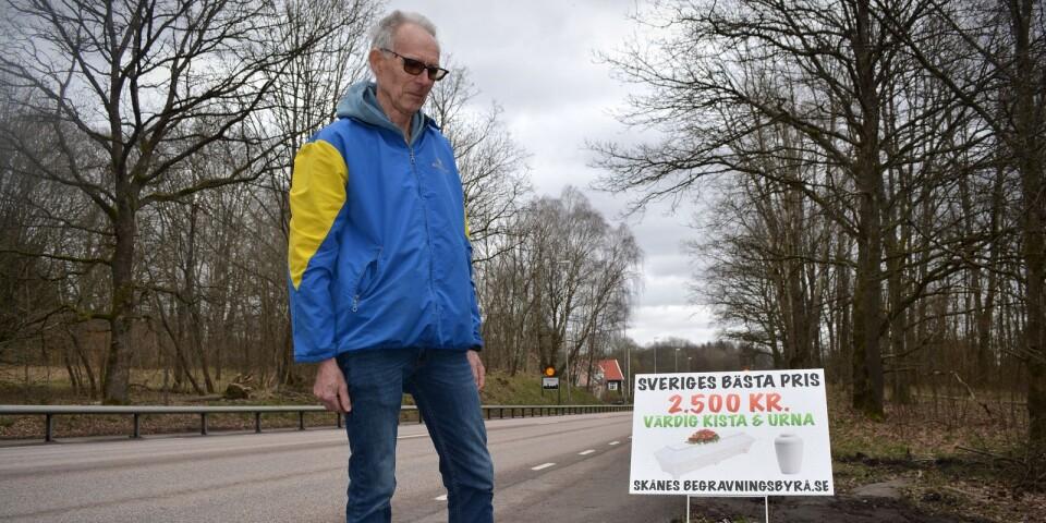 Prislockande budskap vid vägkanten är inte etiskt, i synnerhet inte i coronatider, anser Lars Ivar Ericson.