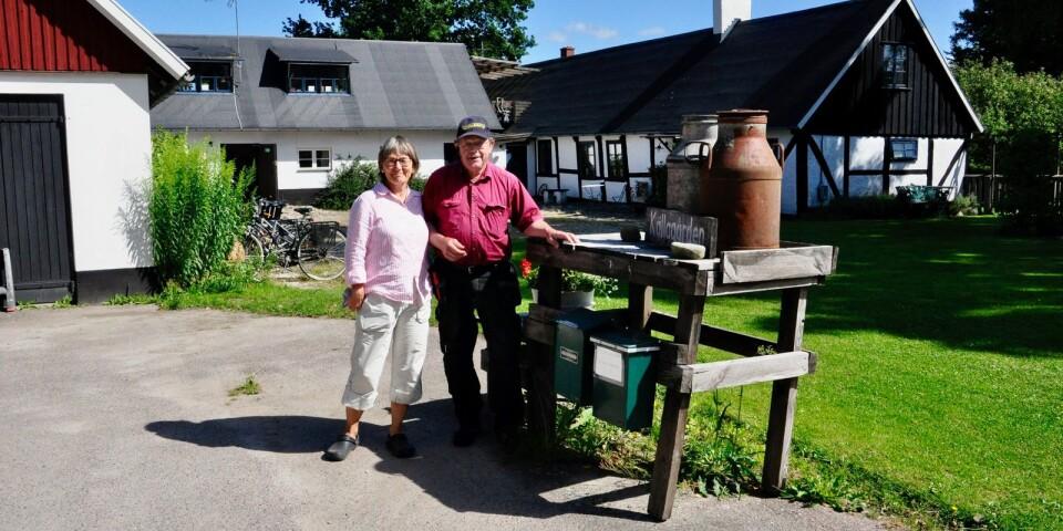 – Vi märker att vandrings- och cykelgäster har ökat vilket vi ser som mycket positivt, säger Eva Sendel och Jörgen Andersson som driver Källargården i Brösarp där gästerna kan bo på lantgård.