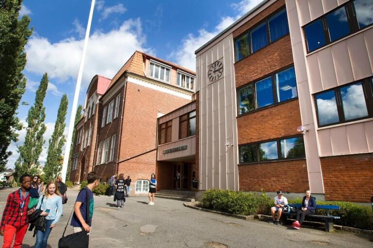 Senare i höst ska politikerna ta ett inriktningsbeslut om ny högstadieskola. Hur Stenbocksskolan, en av kommunens två högstadieskolor, kommer att beröras av beslut är i skrivande stund oklart.