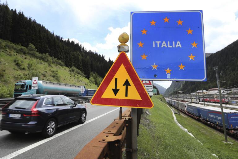 Gränsen mellan Österrike och Italien har öppnats igen – åtminstone för den som vill åka till Italien. Arkivbild.