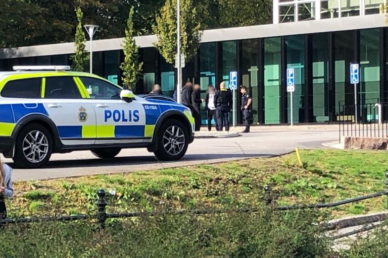 BORÅS: Män avvisade efter hot och stök i Stadsparksbadet