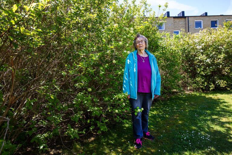 Kerstin Svensson får inte träffa sin make under coronapandemin.